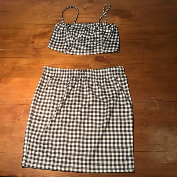 dde46be5e15477 black and white checkered tube top and skirt. M 5ad9571cdaa8f65812b73071